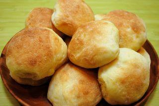 Dinner-rolls-plate