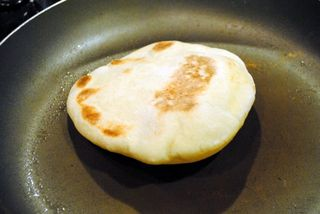 Pita-puffed-pan