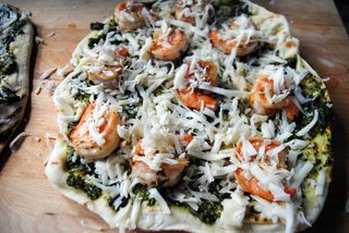 Shrimp-pizza-uncooked
